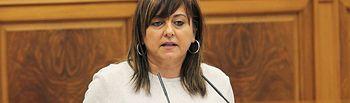 Pilar Martínez durante su intervención en el pleno de las Cortes de CLM