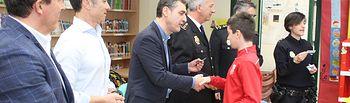 """El Subdelegado del Gobierno hace entrega a 72 escolares de carnet de """"Ciberexpertos""""."""