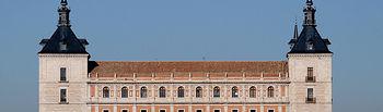 El Alcázar de Toledo fue cárcel, cuartel, sede de talleres sederos y de la Academia de Infantería, albergando actualmente la Biblioteca Regional de Castilla-La Mancha.