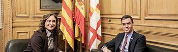 Pedro Sánchez y Ada Colau durante la visita del presidente al Ayuntamiento de Barcelona.