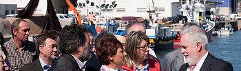 Miguel Arias Cañete mantiene un encuentro con el sector del mar en Cambados (Pontevedra)