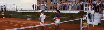 Santana y Fargas en la inauguración del Club en la carretera de Mahora