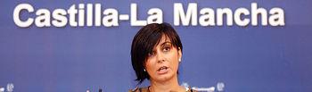 La portavoz del Gobierno de Castilla-La Mancha, Isabel Rodríguez, durante la rueda de prensa que ha ofrecido hoy en Toledo para informar sobre los acuerdos del Consejo de Gobierno.
