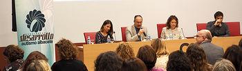 Aurelia Sánchez ha acudido a la charla organizada por 'Desarrollo' y protagonizada por Marcos Zamora