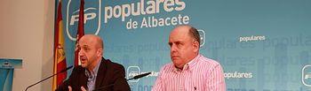 Juan Marcos Molina y Pedro Garrido en rueda de prensa.