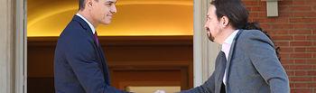 El presidente del Gobierno en funciones, Pedro Sánchez, se reúne con Pablo Iglesias ante los incidentes en Cataluña para transmitirle la determinación del Gobierno de garantizar la seguridad, con firmeza, proporcionalidad y unidad.Pool Moncloa/Fernando Calvo . Foto: fervero-67
