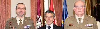 El subdelegado del Gobierno recibe al nuevo mando del CENAD
