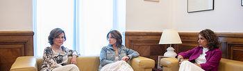 Reunido en el Congreso el equipo negociador del Psoe, Carmen Calvo, Adriana Lastra y María Jesús Montero. Foto: EVA ERCOLANESE