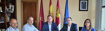 Reunión de Vicente Casañ con el Colegio Economistas.
