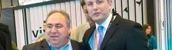 Fotografía del alcalde con el Presidente de las Cortes de Castilla-La Mancha
