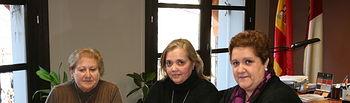Novillo con la Asociacion Provincial de Amas de Casa, Consumidores y Usuarios La Vega de Toledo. Foto: JCCM.
