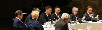 El presidente del Gobierno, Pedro Sánchez, junto a los demás mandatarios europeos durante la cena informal ofrecida por el presidente del Consejo Europeo y por el canciller federal de la República de Austria a los jefes de Gobierno de la UE.