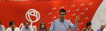 Fotografía de José Manuel Caballero interviniendo en el Comité Provincial