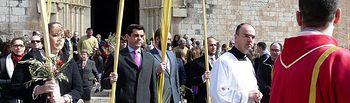 Javier Cuenca asiste a la misa y procesión de las palmas con motivo del Domingo de Ramos