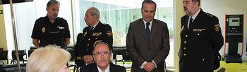 El delegado del Gobierno en Castilla-La Mancha visita la comisaría de Policía Nacional de Albacete, donde ha comenzado la implantación del nuevo DNI electrónico 3.0