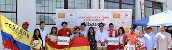 Francisco Navarro asiste a la inauguración del Mundialito de Fútbol e Integración de Albacete