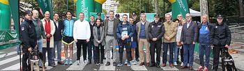 """Más de 2.200 personas han participado en la """"Carrera Solidaria"""" promovida por la Fundación Eurocaja Rural, Grupo Tello Alimentación y el Cuerpo Nacional de Policía (CNP) de Albacete."""