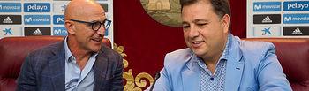 Luis de la Fuente, seleccionador nacional Sub-21, junto a Manuel Serrano, alcalde de Albacete