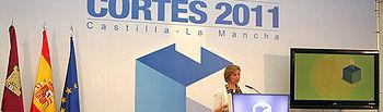 La vicepresidenta y consejera de Economía y Hacienda, María Luisa Araújo, comunicó hoy a las 9.30 horas que el cien por cien de los colegios electorales se había abierto con normalidad en toda Castilla-La Mancha.