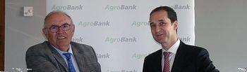 CaixaBank y ASAJA Castilla-La Mancha firman un acuerdo para potenciar el sector agrícola y ganadero de la región