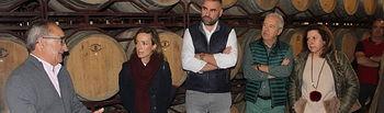 Carmen Navarro visita la Bodega Vitivinos y la D.O Manchuela, en Villamalea.