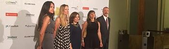 Sáenz de Santamaría participa en la entrega de los Premios Internacionales de Periodismo de El Mundo. Foto: Pool Moncloa / Acceso libre.