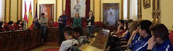 Alumnos de 4º de la ESO de los colegios Agustiniano y Sagrado Corazón de la capital visitaron el Ayuntamiento de Guadalajara.