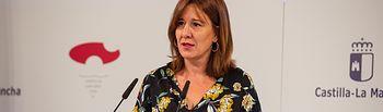 La consejera de Igualdad y portavoz del Gobierno regional, Blanca Fernández, informa, en el Palacio de Fuensalida, de los acuerdos aprobados en el Consejo de Gobierno. (Fotos: A.Pérez Herrera / JCCM).