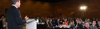 El presidente de Castilla-La Mancha, Emiliano García-Page, asiste al desayuno informativo del presidente de las Cortes regionales, Jesús Fernández Vaquero. (Fotos: José Ramón Márquez//JCCM)
