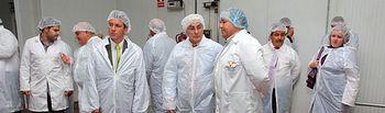 El presidente de Castilla-La Mancha, José María Barreda, visitó la empresa Productos Agrarios López Castro en Bolaños de Calatrava (Ciudad Real).