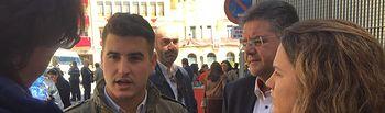 Juan Carlos González pone en valor la Semana Santa de Hellín durante el encuentro mantenido con los jóvenes de la localidad. 280318