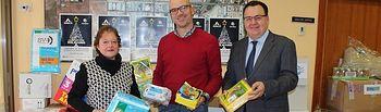 ADECA entrega a Cáritas 2.000 kilos de productos de primera necesidad gracias a la campaña 'Campollano Solidario'