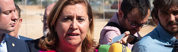 La consejera de Educación, Cultura y Deporte, Rosa Ana Rodríguez, visita las obras del CEIP del barrio Imaginalia. Foto: Manuel Lozano García / La Cerca