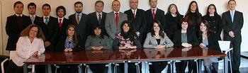 La delegación chilena mantuvo un encuentro con el decano de la Facultad de Ciencias Jurídicas y Sociales de Toledo, Pedro J. Carrasco.