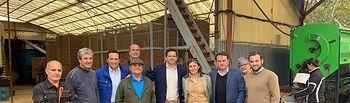 Miguel Ángel Valverde y Manuel Torres visitan una explotación agraria en Campo de Criptana.