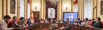 Pleno extraordinario; denominación del archivo municipal como Javier Barbadillo, modificación de ordenanzas fiscales y de crédito, designación de miembros para las mesas electorales de las próximas elecciones legislativas. Foto: ©JRopero