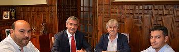 El presidente de la Diputación de Toledo, Álvaro Gutiérrez, ha mantenido una reunión con el nuevo equipo de Gobierno de La Puebla de Montalbán, encabezado por su alcalde, Ismael Pinel.