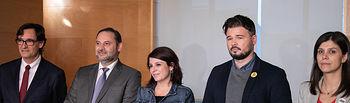Reunión del equipo negociador del PSOE y los representantes de ERC. Foto: EVA ERCOLANESE
