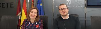 La concejala de Personal, María José López, y el concejal de Mujer, Manuel Martínez.