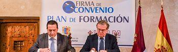 Firma convenio Ayuntamiento Campo de Criptana– Universidad de Castilla-La Mancha.