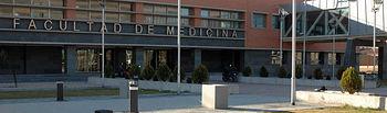 Fachada de la Facultad de Medicina de Albacete