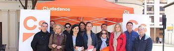 La agrupación del partido naranja en Albacete ha instalado su 'carpa ciudadana' en la calle Rosario.
