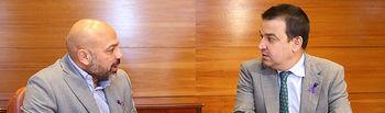 El consejero de Agricultura, Medio Ambiente y Desarrollo Rural, Francisco Martínez Arroyo, se reúne en las Cortes regionales con el secretario regional de Podemos CLM, José García Molina, para abordar el documento de posición común de defensa del agua en Castilla-La Mancha, dentro de las reuniones con los partidos políticos. (Foto: Álvaro Ruiz // JCCM)
