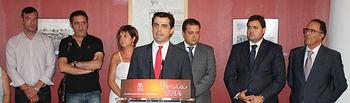 Javier Cuenca en la inauguración de la exposición '12 pintores de Albacete y la Feria' que se muestra en el Recinto Ferial.