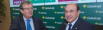 El presidente de Globalcaja, Higinio Olivares, y el rector de la UCLM, Miguel Ángel Collado.