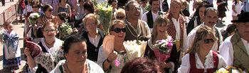 Ofrenda floral a la Virgen de Los Llanos en la Feria de Albacete.