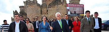 """Barreda que visitó hoy el rehabilitado Castillo de Belmonte, en Cuenca, apostó por hacer del pasado una fortaleza de las posibilidades turísticas de una tierra que, dijo, """"tiene mucho futuro porque tiene mucho pasado""""."""