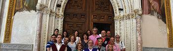 Participantes en el encuentro durante una visita a la catedral de Toledo.
