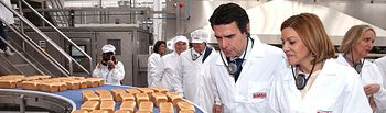 Cospedal inaugura la nueva planta de produccion de la empresa Bimbo.