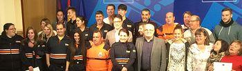 Fotografía del acto de entrega de los diplomas a los voluntarios de las Agrupaciones de Protección Civil de la provincia de Albacete, que realizaron el curso Básico.